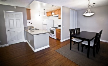 2 bedrooms - kitchen and dinning